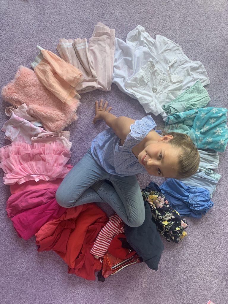 Farbenvielfalt im Kleiderschrank